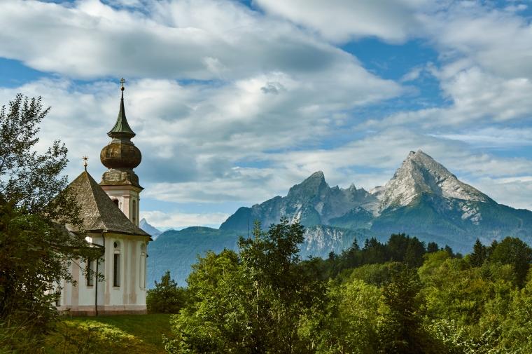 Wallfahrtskirche_Maria_Gern_mit_Watzmann,_Berchtesgaden_(01987)