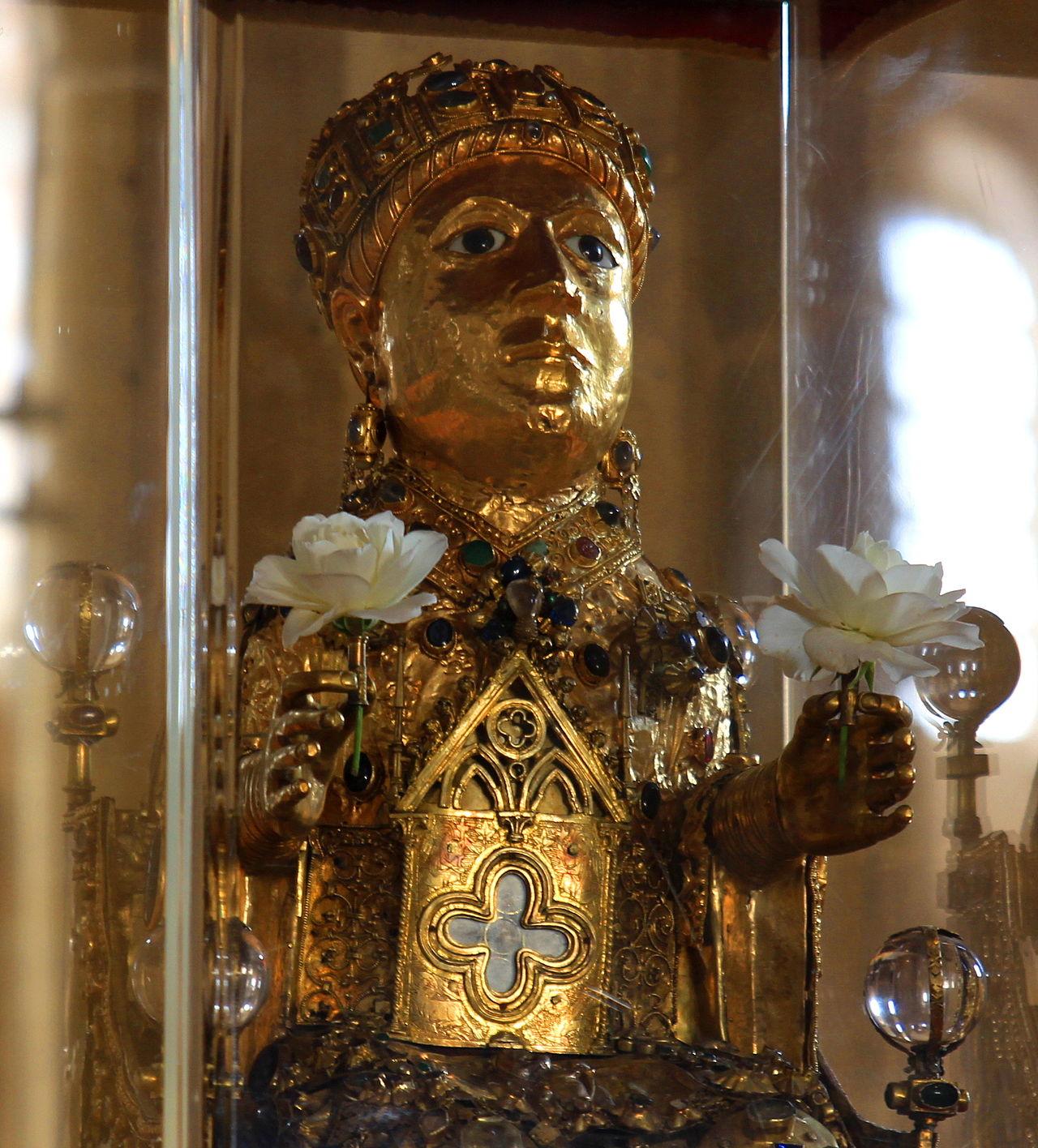 Statue_reliquaire_de_Sainte_Foy_de_Conques_(cropped)